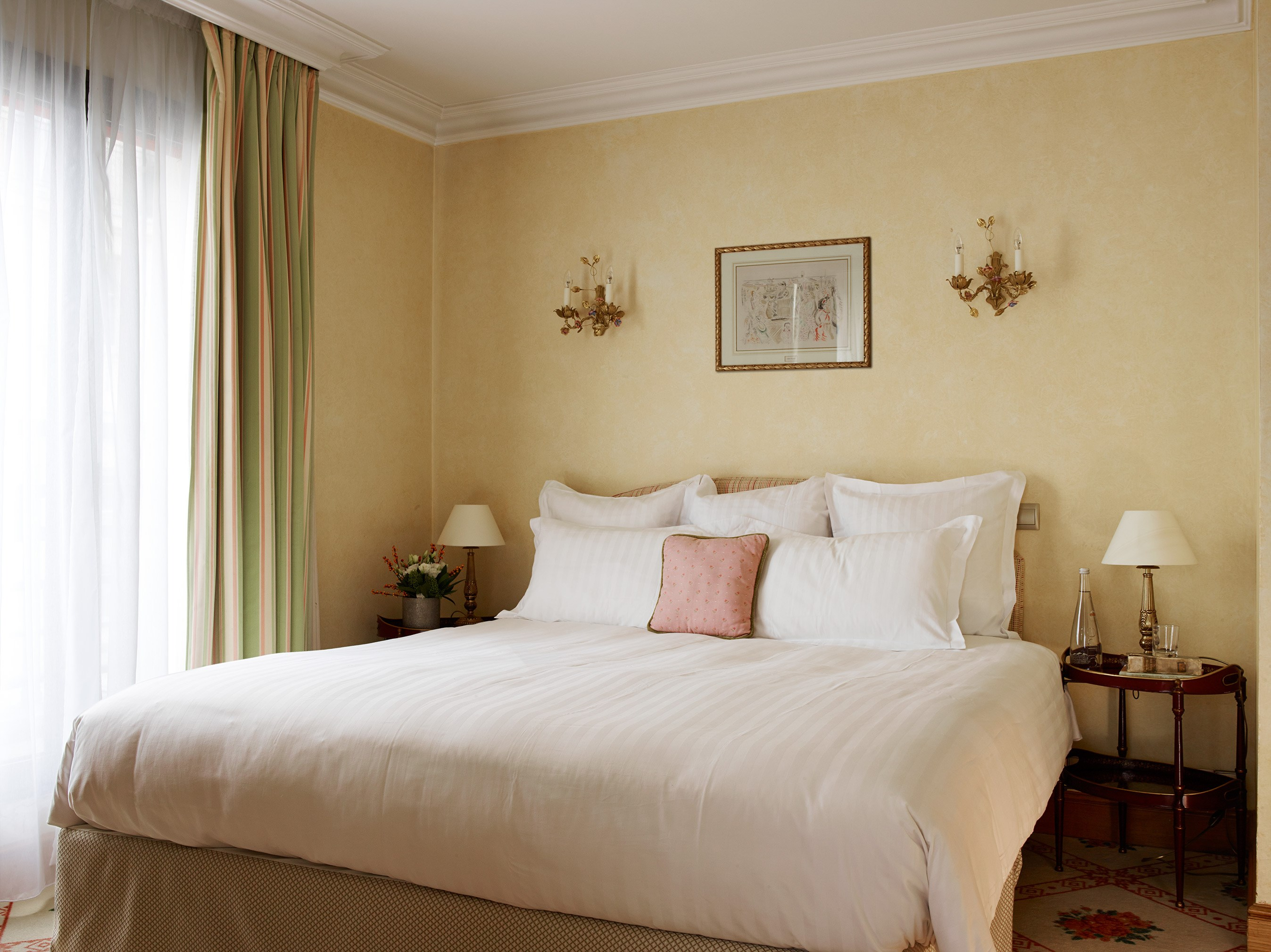 Bed Suite Hotel de Vigny Paris