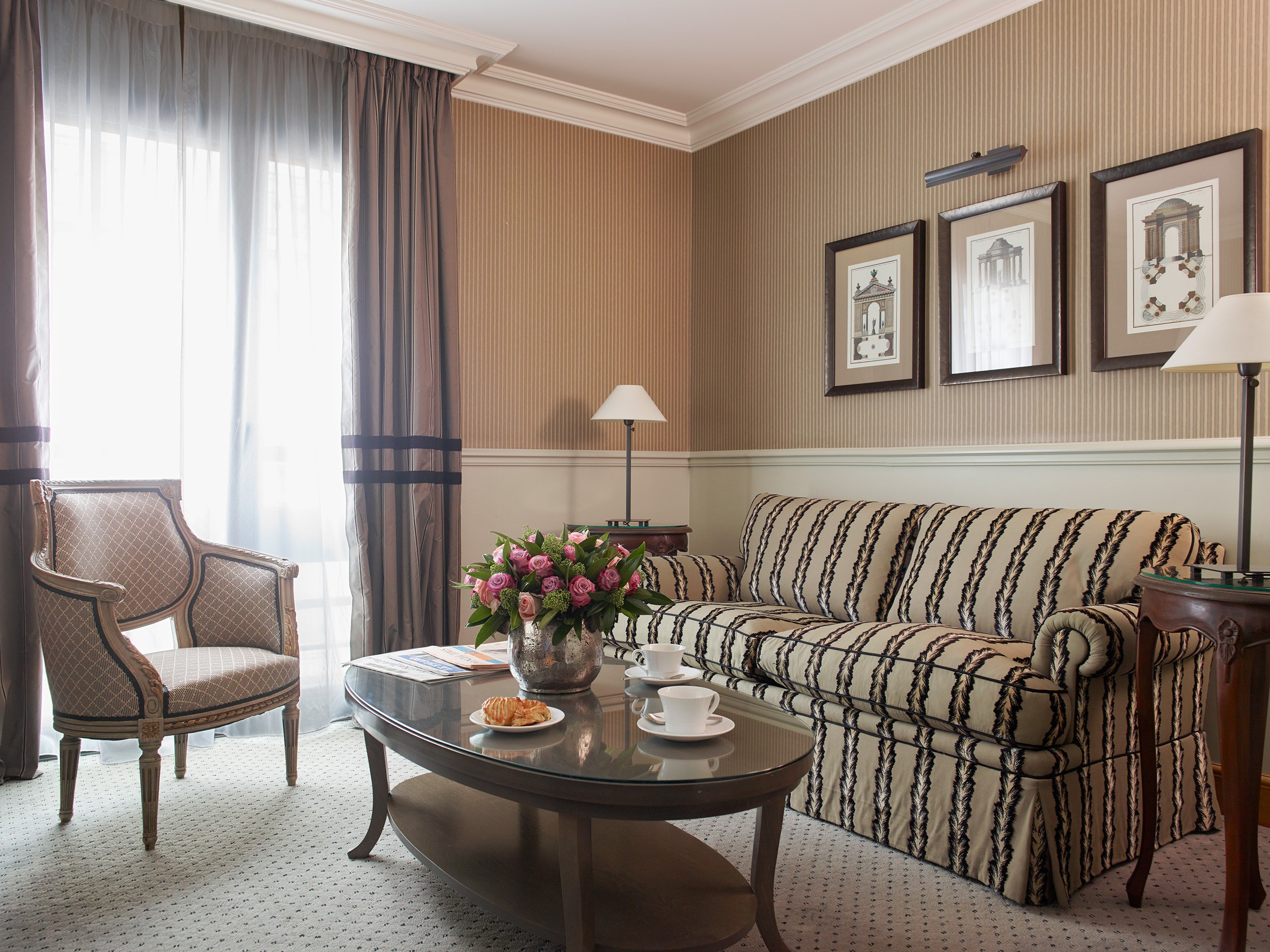 Living Room Suites Hotel de Vigny Paris